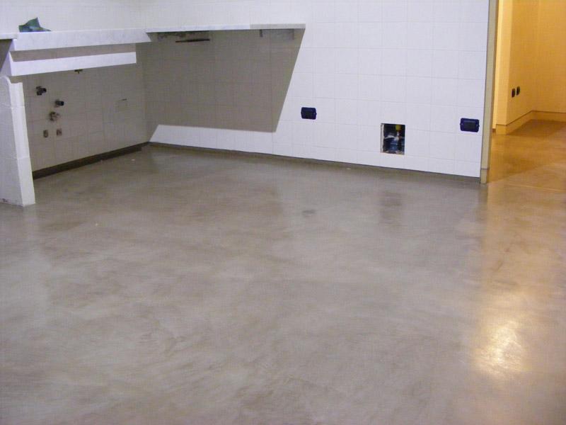 Pastellone il pavimento - Incollare piastrelle su pavimento esistente ...